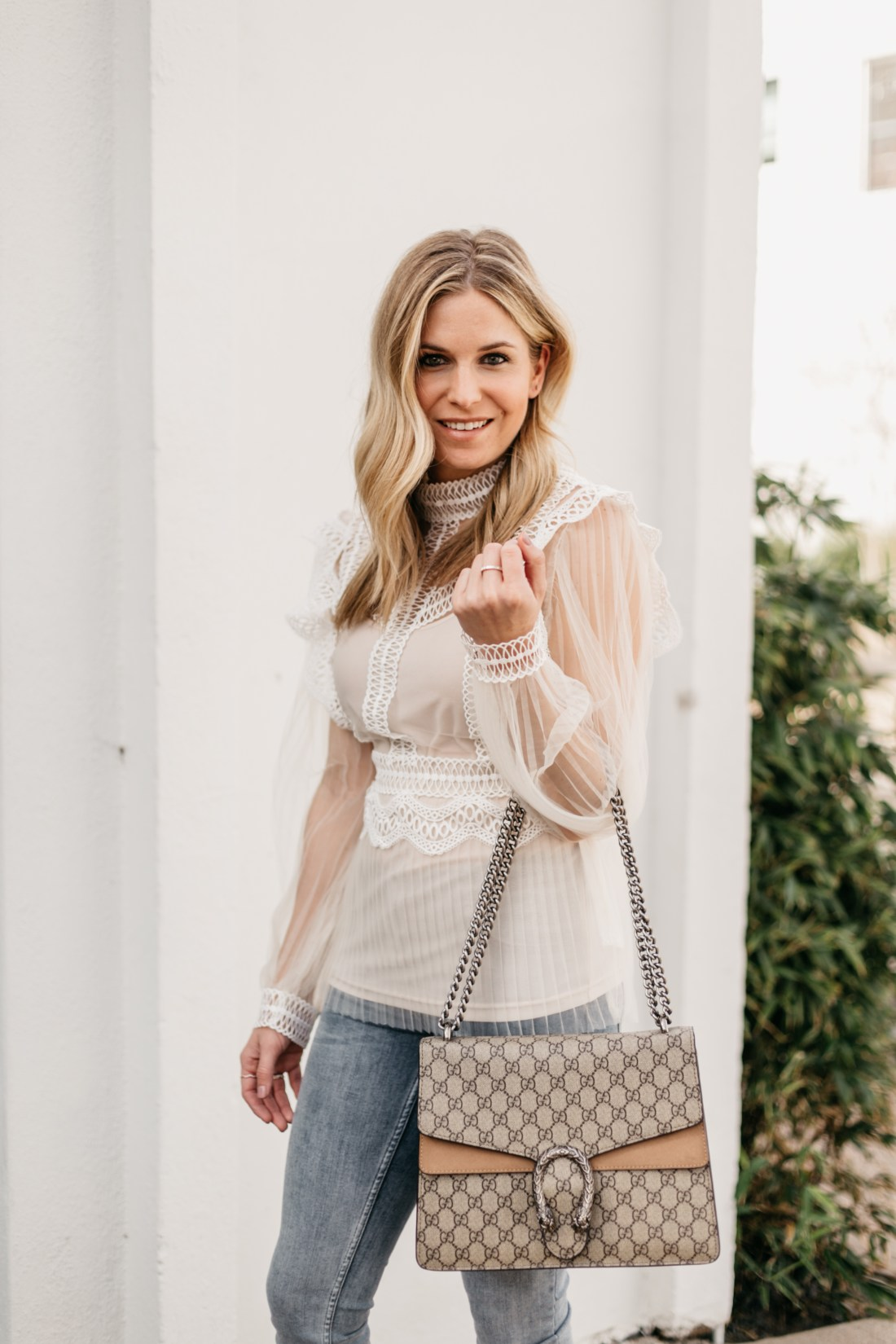 WHITE TOPS FOR SPRING