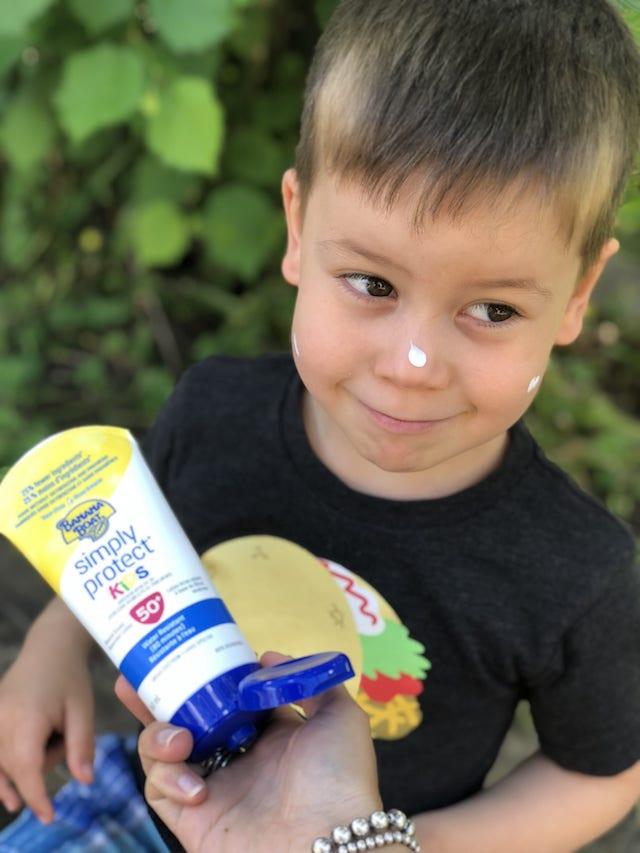 Banana Boat Simply Protect Kids Sunscreen Lotion Review