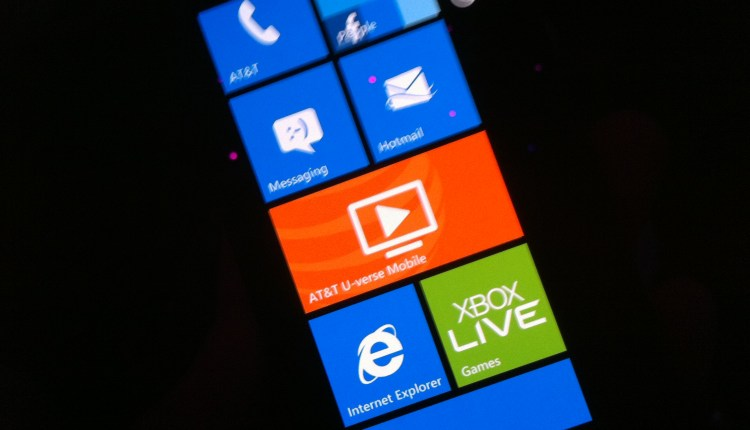 Nokia Lumia 900 Live Tiles homescreen
