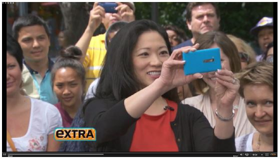 Nokia Lumia 900 on Extra TV Show