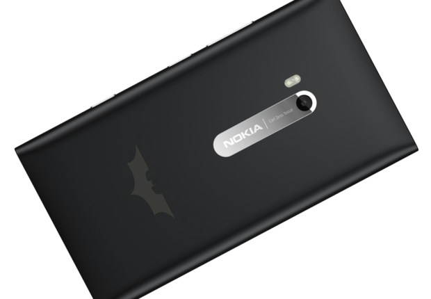 nokia-lumia-900-batman-edition-1