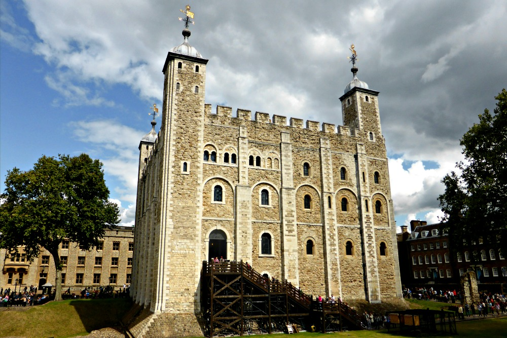 8 Great UNESCO Sites to Visit from London || www.onetripatatime.com
