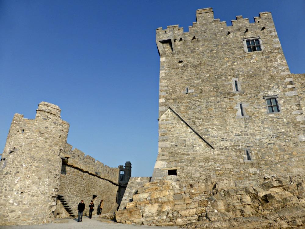Exploring Ross Castle in Ireland || www.onetripatatime.com