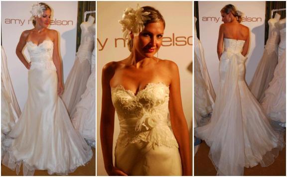 Beautiful sweetheart neckline ivory lace wedding dress, in buttercream