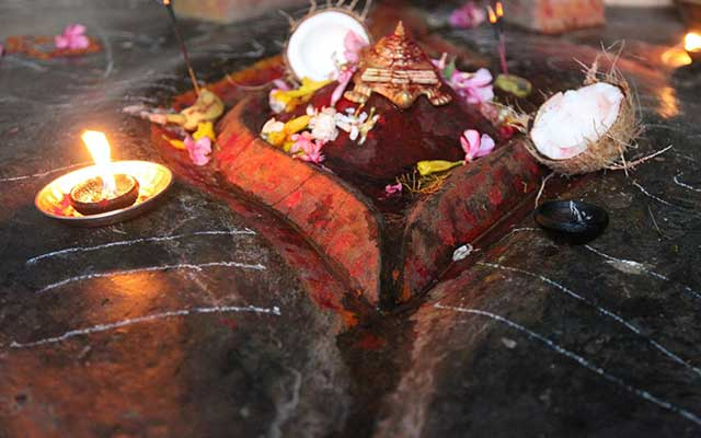 Secrets-Of-Kamakhya-Devi-Temple-Menstruating-Goddess-In-India-2