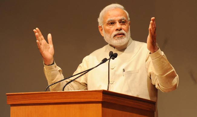 PM Modi asks people to use E-wallets and not to waste time outside banks