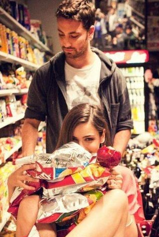 6 Unromantic signs which shows he crazily loves you