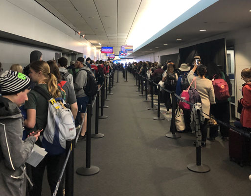 lines at O'Hare Customs