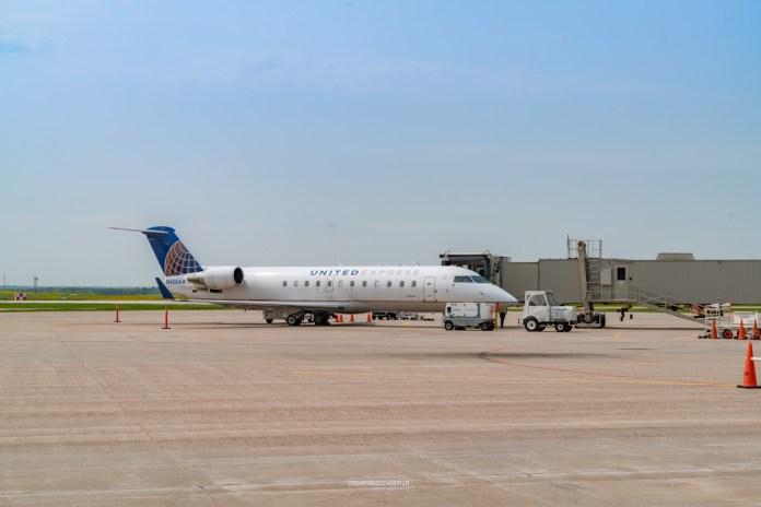 airplane airport cwa