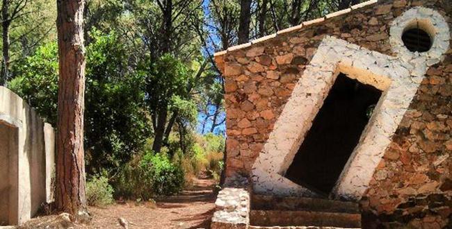 Barraca de Dalí a la Platja Castell d'Aro5