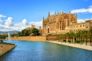 Picturesque, Cultural and Bohemian – Palma is perfect for a Tour !