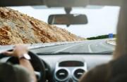 Por qué alquilar un coche en tus próximas vacaciones