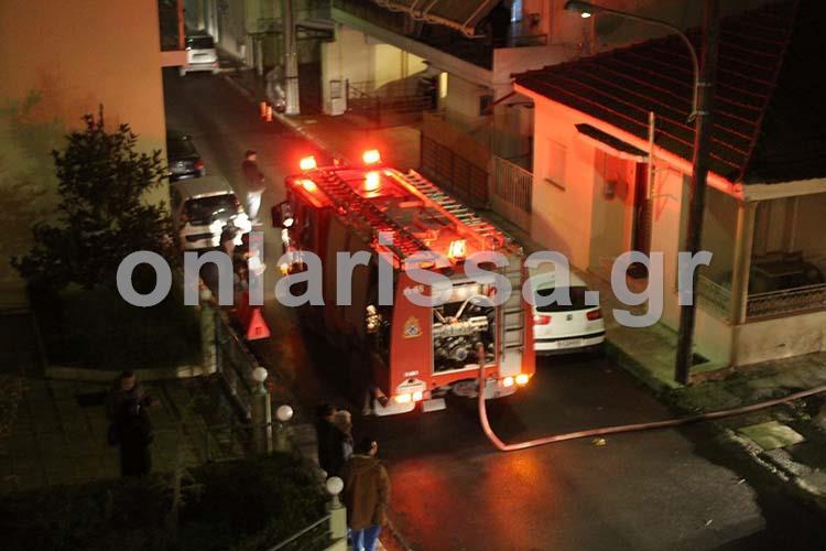 Συναγερμός στην Ηρώων Πολυτεχνείου: Πήρε φωτιά ρετιρέ πέμπτου ορόφου - Δείτε φωτογραφίες