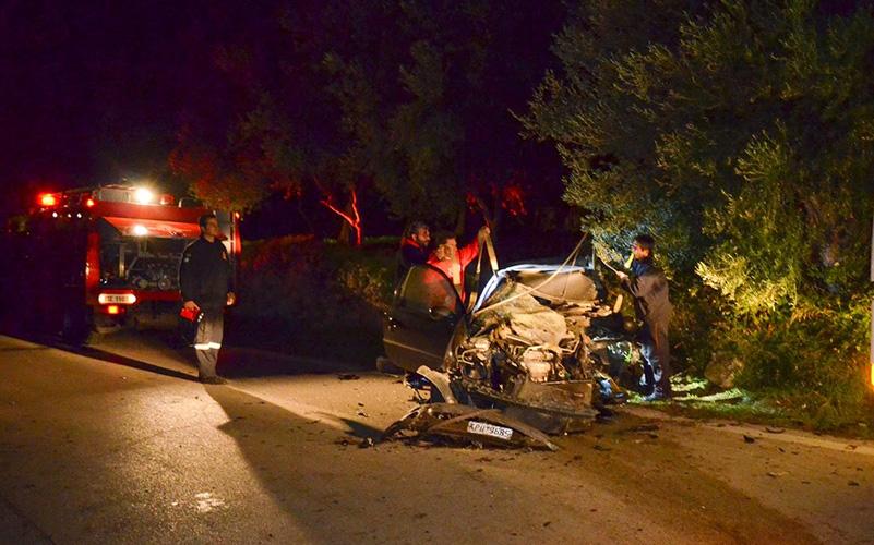 Τραυματίας σε τροχαίο έξω από την Λάρισα- Επιχείρηση της Π.Υ για τον απεγκλωβισμό του