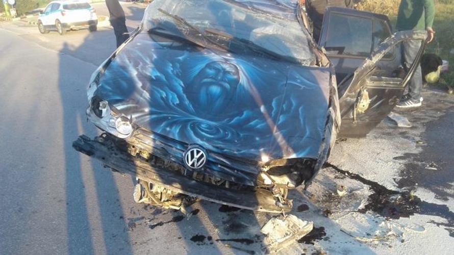 Σοβαρό τροχαίο με τραυματία μια 35χρονη στον Αμπελώνα- Δείτε φωτογραφίες