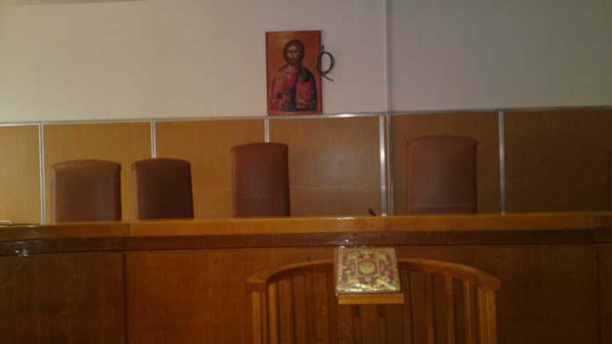 Σοκ στη Λάρισα στη δίκη του 40χρονου που έσφαξε τη μάνα του - Δάκρυσε μέχρι και η πρόεδρος του δικαστηρίου!