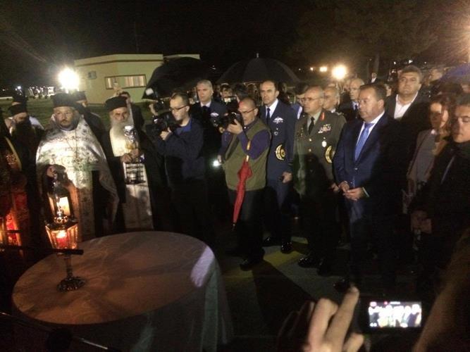 Έφθασε στη Λάρισα το Άγιο Φως - Σκληρή απάντηση Κόκκαλη για τις δηλώσεις Μπαλαούρα (Φωτό)