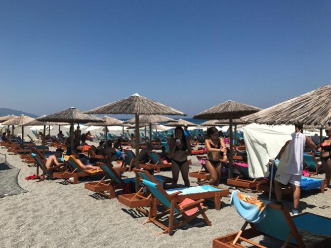 Γέμισαν ξανά οι παραλίες του νομού Λάρισας - Δείτε φωτογραφίες