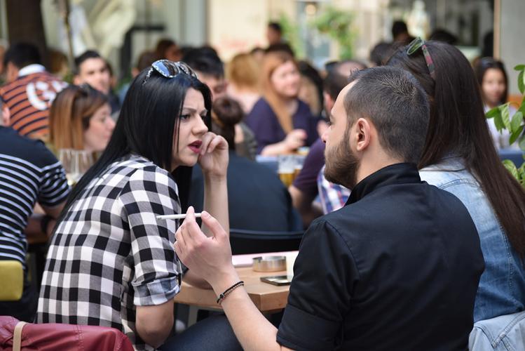Ανοιξιάτικο Σάββατο στο κέντρο της Λάρισας - Ο φακός του onlarissa.gr στα καφέ της πόλης