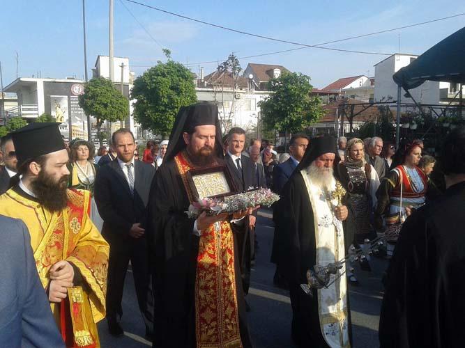 Η Λάρισα υποδέχθηκε το ιερό λείψανο του Αγίου Γεωργίου - Δείτε φωτογραφίες