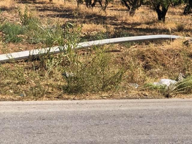 Δείτε φωτογραφίες από το θανατηφόρο που βύθισε τη Λάρισα στη θλίψη – Σκοτώθηκαν δύο νέοι (φωτο)