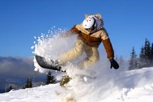 6 reguli pentru iubitorii snowboardului