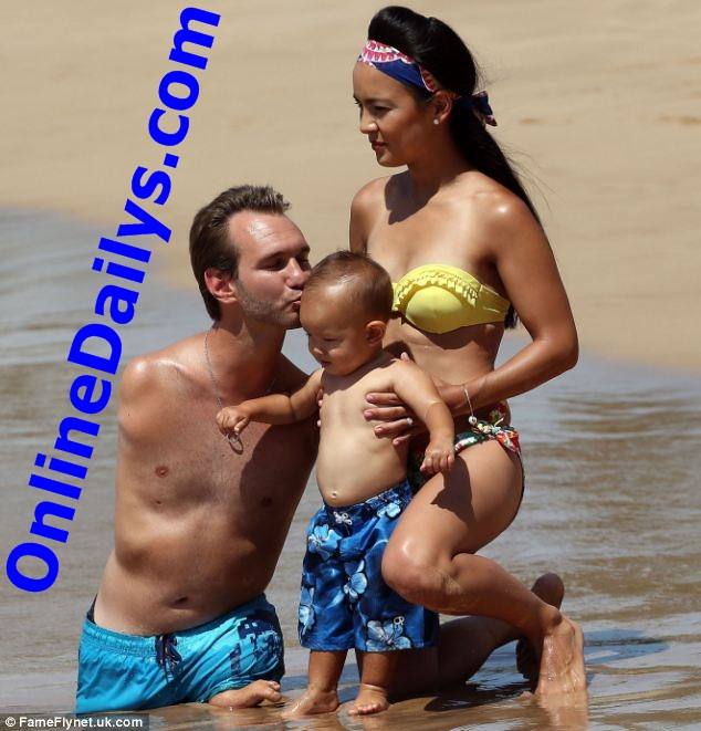 nick vujicic wife and kids photo