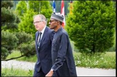 President of Nigeria convey in Garden-Mobile  2