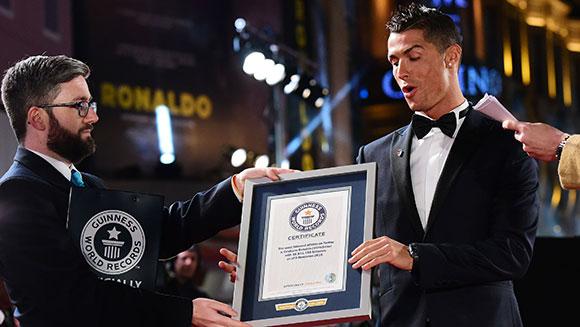 Facebook FA La Liga Player of the Year 2016 award