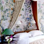 Home Decor:  Romantic canopy beds