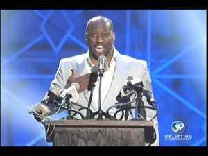 2014 Stellar Awards – Isaac Carree Clean This House (Live Scandal Version)