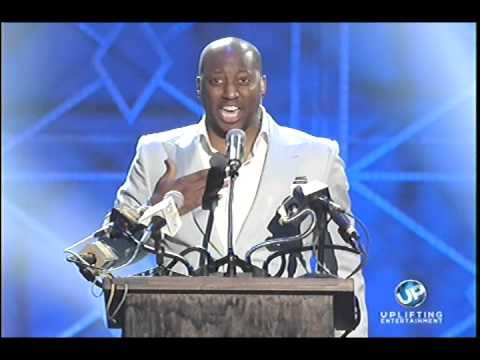 2014 Stellar Awards – Isaac Carree Clean This House (Live Scandal Version)