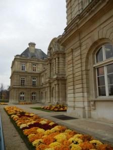 Jardin du Luxembourg copyright https://www.onlineflowergarden.com