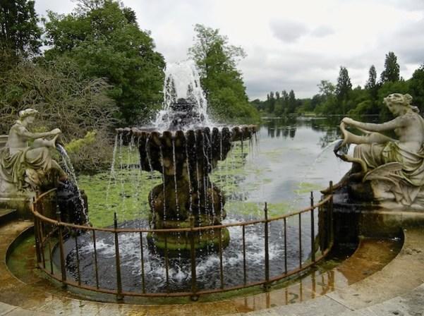 Hyde Park - Italian Gardens - London