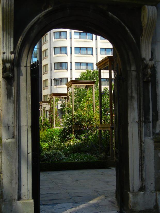 Christchurch garden Greyfriars