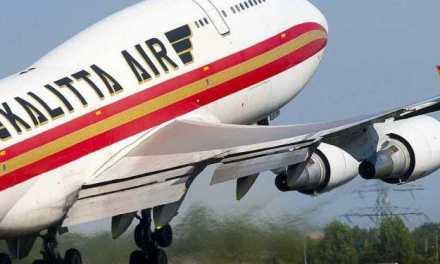 KALITTA 747'S ENGINE DAMAGED AFTER STRIKING SNOW BANK