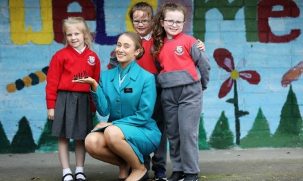 Aer Lingus Makes a Difference at local infant girls' school