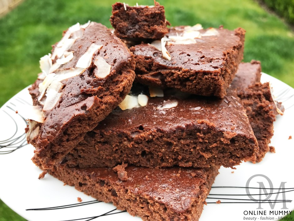 Healthy-ish Chia and Cacao Brownies