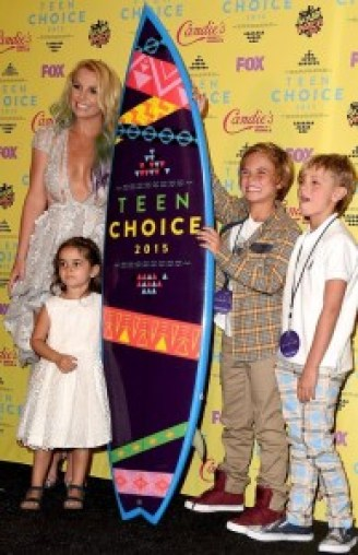 Britney Spears Crushed 2015 Teen Choice Awards