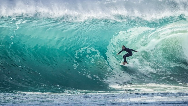 Surf at Ninety Mile Beach