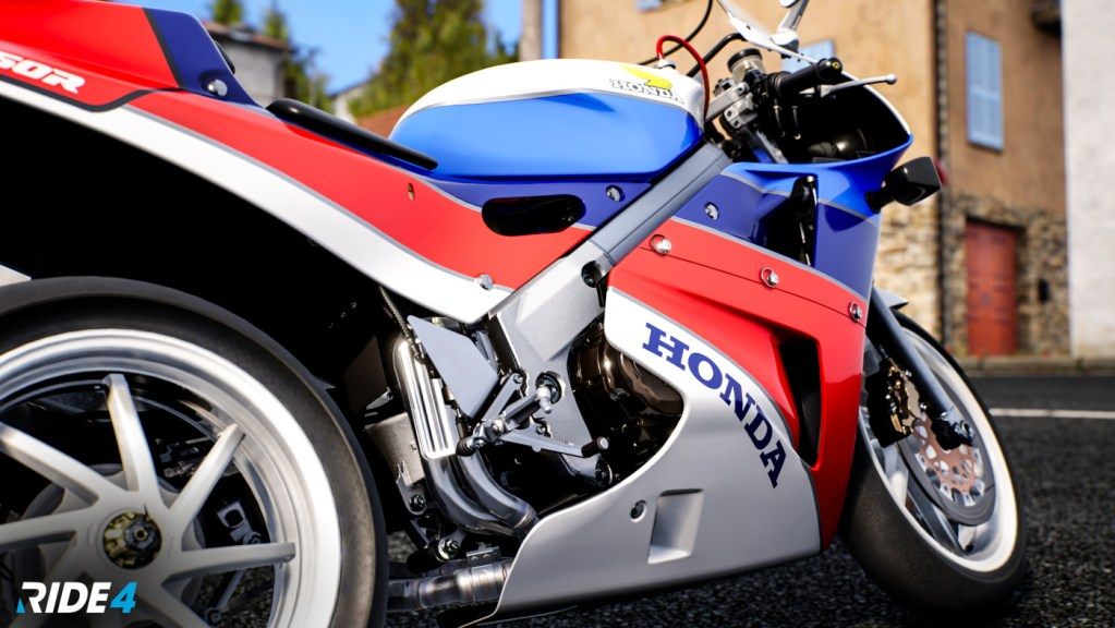 The Honda VFR750R RC30 looks as gorgeous now as it did in 1988