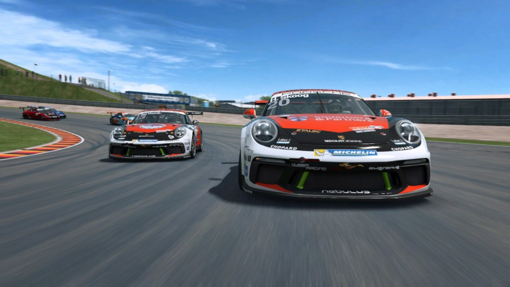 There's a RaceRoom Update and Summer Sale on now