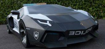 Lamborghini Aventador από χαρτόνι