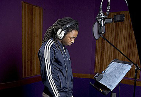 https://i1.wp.com/www.onlygoodmovies.com/blog/wp-content/uploads/2010/09/lil-wayne-recording.jpg