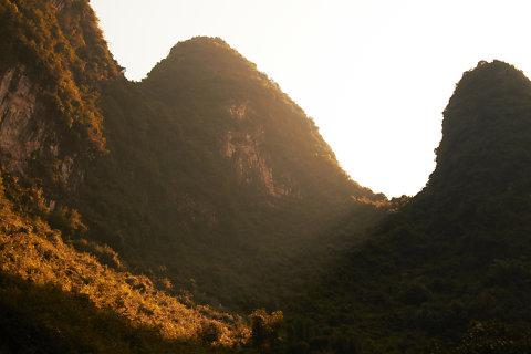 201512-yernju-ludek-wellart-sunrays-hill-landscape,medium.1469193801