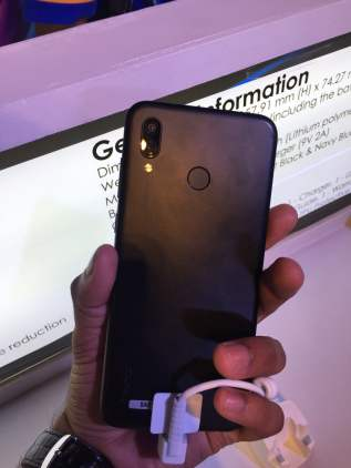 Honor Play Review - Best phone under Rs.20000