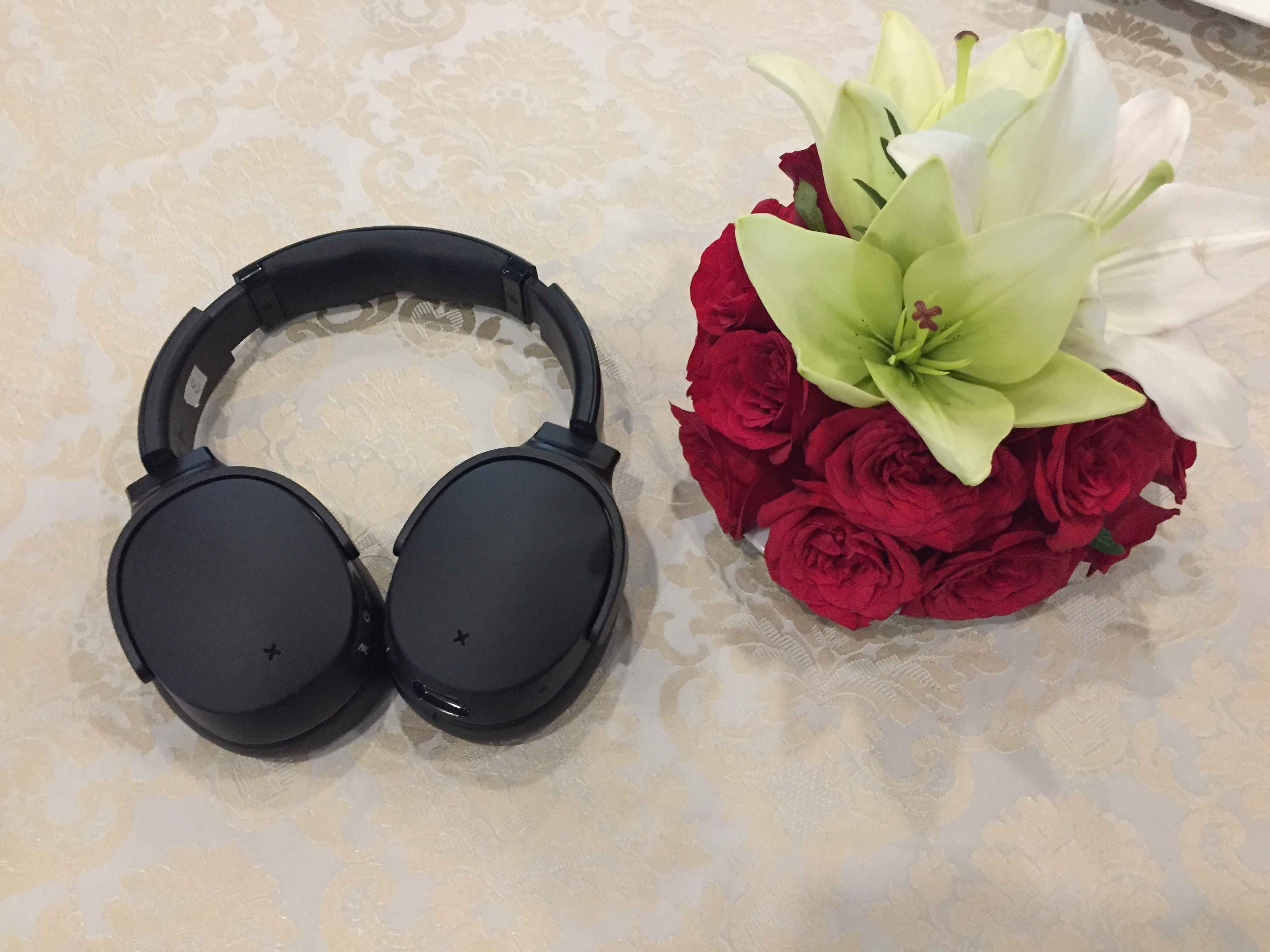 Skullcandy Venue Bluetooth headphones with Active Noise Cancellation