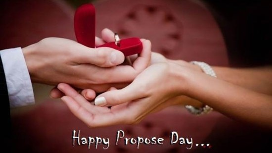 propose day kiss