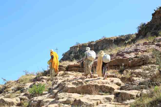 The barefooted nuns overtaking me climbing to