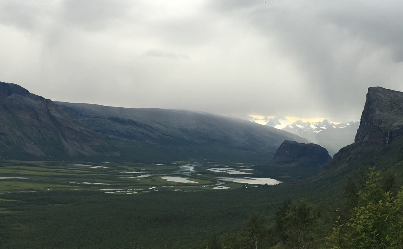Kungsleden day 7 – it's going to be a bright sun shiny day